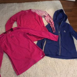 Goes size large workout lot under armour Reebok